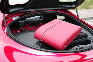 Тест-драйв Alfa Romeo 8C, Nissan GT-R