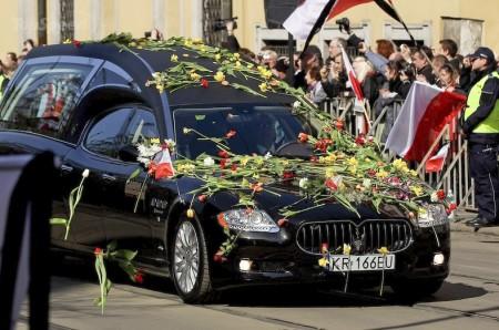 Польского президента проводили в последний путь на Maserati Quattroporte