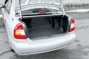 Багажник удобнее, если складывается по частям спинка сиденья (комплектации МТ3, АТ5).