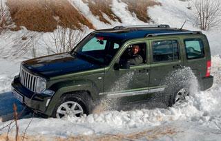 Тест-драйв Jeep Cherokee, Mitsubishi Pajero Sport
