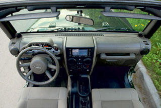 Тест-драйв Land Rover Defender, Jeep Wrangler