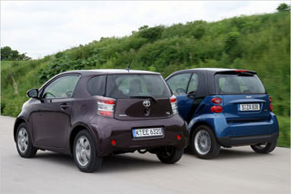Тест-драйв Smart Fortwo, Toyota iQ