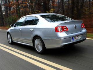 Тест-драйв Toyota Avensis, Volkswagen Passat