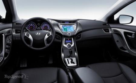 Hyundai демонстрирует интерьер новой Elantra