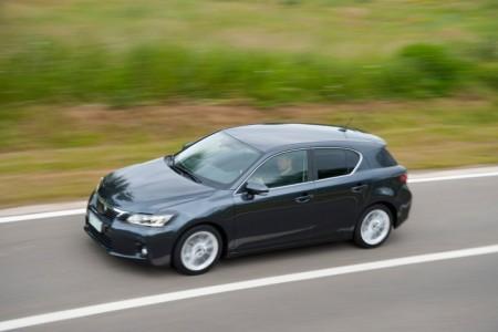 Новый Lexus CT 200h станет безопасней
