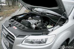 Первыми в России появятся автомобили с бензиновыми 4,2-литровыми «восьмерками». Машины с дизельными V6 ожидают ближе к середине года. Обещают и другой бензиновый агрегат объемом 3,6 л.