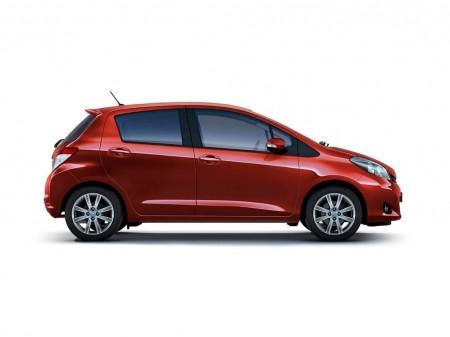2012-Toyota-Yaris-11