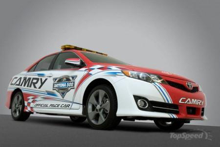 2012 Toyota Camry стала автомобилем безопасности