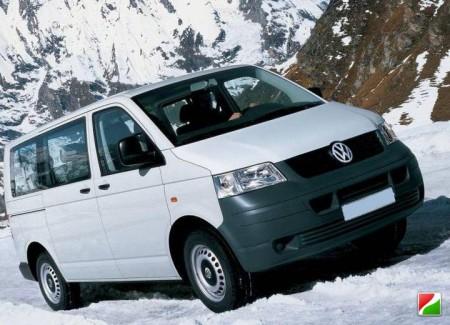Volkswagen Transporter стал фургоном года в России