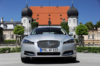 Тест-драйв Jaguar XF/XFR