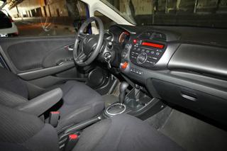 Тест-драйв Honda Jazz, Kia Venga