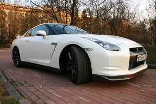 Тест-драйв Nissan GT-R