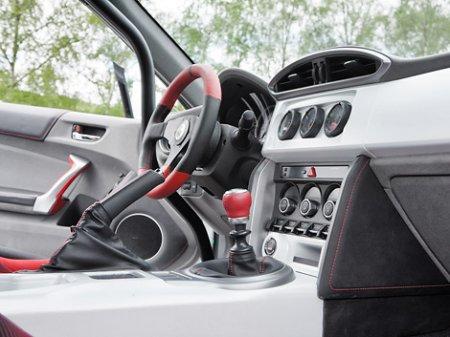 Купе Toyota GT 86 обзавелось двунаддувным 320-сильным мотором