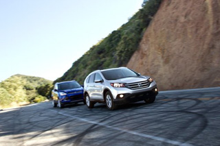 Тест-драйв Ford Escape, Honda CR-V