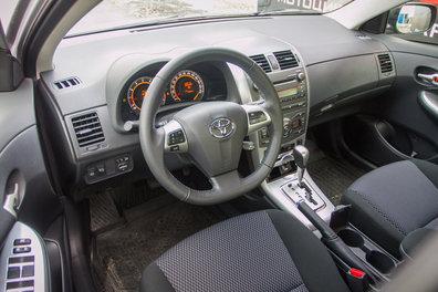 Тест-драйв Ford Focus III, Toyota Corolla