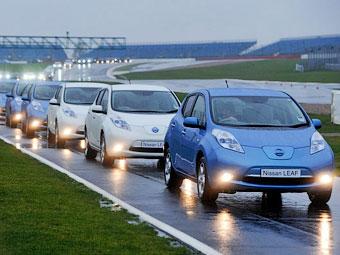 Британцы собрали вместе рекордное число электрокаров Nissan Leaf