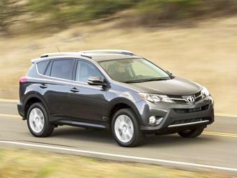 Toyota сделает из нового RAV4 гибрид