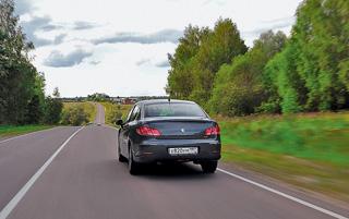 Тест-драйв Peugeot 408