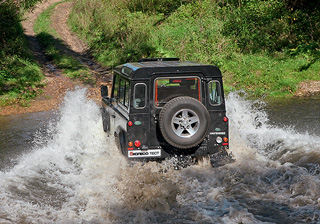 Тест-драйв Land Rover Defender 90